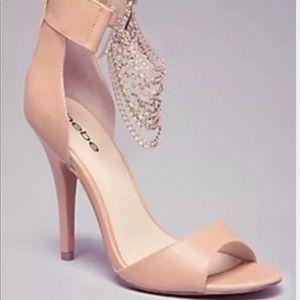 BEBE Lorina Chain Sandals nude heel 8 NWOB